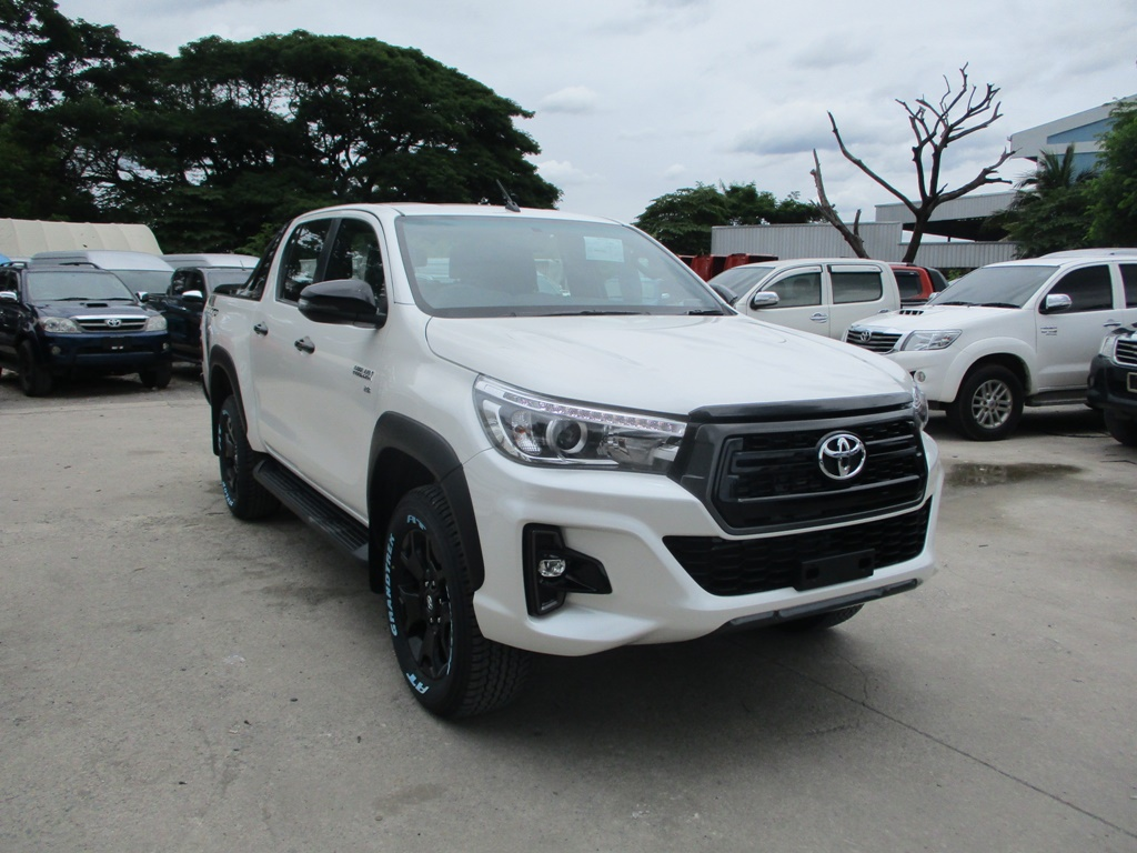 brand new 2020 – revo rocco 4wd 28g at double cab white